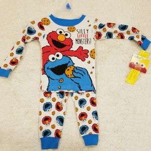 🎉 NWT Sesame Street 24mo character pajamas
